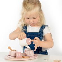 It's Tea-Time 🍵🍵  #labellabelwood #LabelLabel #FSC #FSCWood #WoodenToys #Wood #Kids #toystagram #Playing #tea #teatime